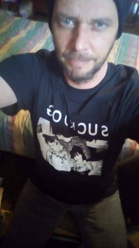 tim-in-tshirt-suckdog
